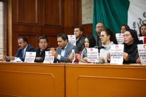 Piden al gobierno estatal detener el incremento al alza del pasaje, así lo anunció el coordinador de MORENA Maurilio Hernández González.